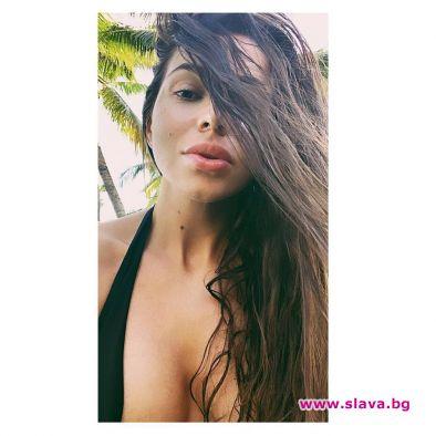 Алисия бе принудена публично да опровергае информацията, че слиза от
