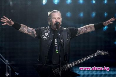 Фронтменът на Metallica Джеймс Хетфийлд е постъпил в клиника за