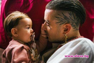 Снимка: Венци Венц снима дъщеря си в клипа Не бих могъл