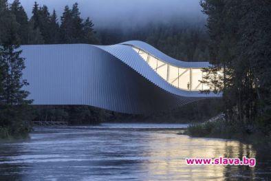 Снимка: Новият музей за модерно изкуство в Норвегия - усукан мост над река