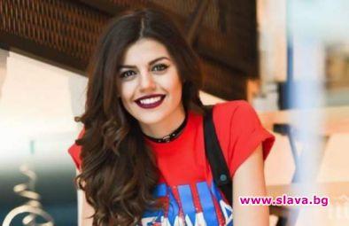 """Красивата певица Михаела Филева си има нов приятел.Изпълнителката на """"Изгубени"""