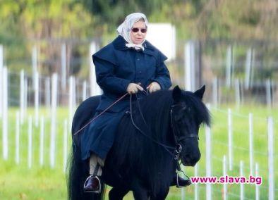 Възрастта е само номер за кралица Елизабет II. На 93