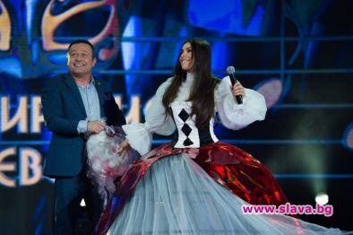 """Паднаха още две маски в предаването """"Маскираният певец"""" по Нова"""
