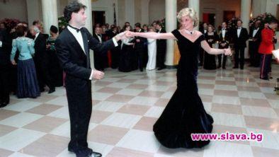 """Емблематичната рокля """"Траволта"""" на принцеса Даяна, която тя носеше в"""