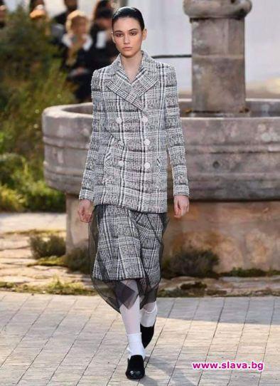 На ревюто на Chanel на Седмицата на висшата мода в