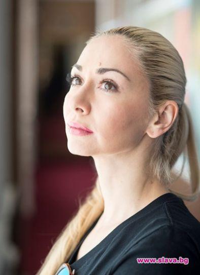 Актрисата и певица Антоанета Добрева-Нети е открила, че е осиновена.