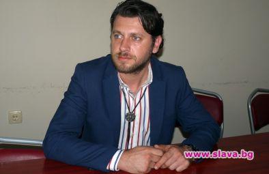 Актьорът Веселин Плачков стана шеф в община Плевен. От шести