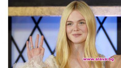 Чаровната актриса Ел Фанинг прикова вниманието на българските зрители. Сериалът