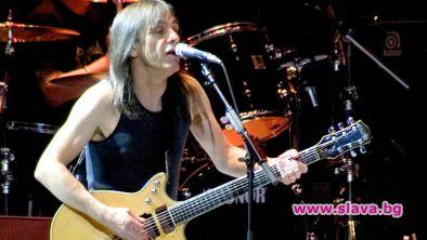 Последният албум на AC/DC е напълно готов, но отложен за