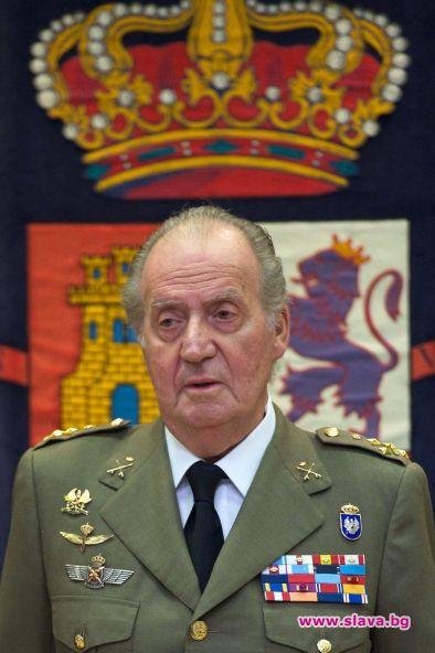 Бившият испански крал Хуан Карлос напуска страната.В писмо до сина