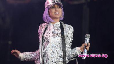 Популярната американска поп икона Майли Сайръс ще пусне новата си
