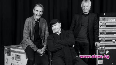 Английската група Genesis ще готви за турне с името The
