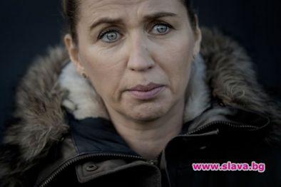 Просълзена, датският премиер Мете Фредериксен за първи път лично се