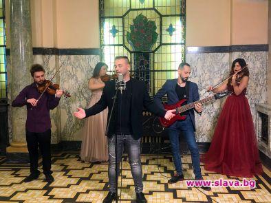 Младият певец Валентин Велчев представи първата си балада за рождения