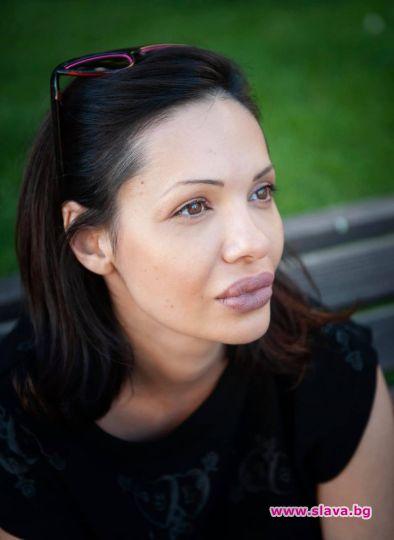 Калина Паскалева, чието дело на живота е книгата, подписана от