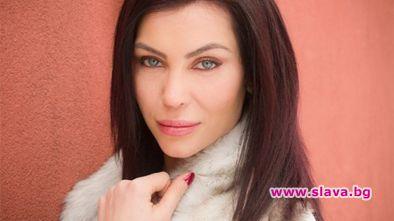 """Елена Тихомирова, която спечели короната на """"Мис България"""" през 2003"""