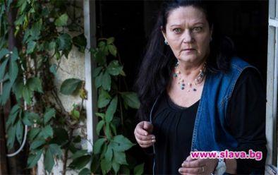 Галя Александрова, коятовсява респект в зрителите, превъплъщавайки се много умело
