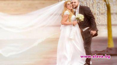 Фолк певицата Роксана и нейният съпруг Александър минават през семейна